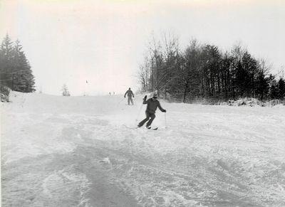 1980 – lyžování na svahu. Foto: Archiv lyžařského oddílu